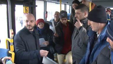 Photo of Direktor Direkcije za javni gradski prevoz sugrađanima podelio kalendare i najavio kvalitetniji prevoz