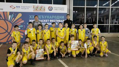 "Photo of Najmlađi niški košarkaši takmičili se na XX Međunarodnom mini basket festivalu ""Rajko Žižić"""