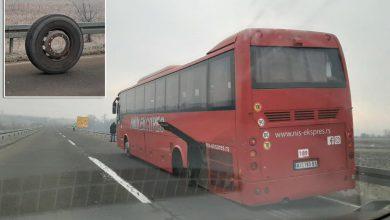 Photo of Autobusu u toku vožnje ispali točkovi