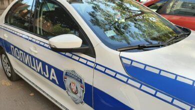 Photo of U sudaru teretnog vozila i automobila povređen muškarac