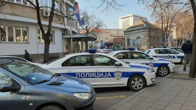 Photo of Napad na taksistu, radnika picerije i pretnja policijskim službenicima