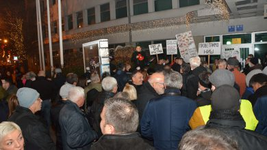 "Photo of Održan protest ""Provetrimo Niš, dišimo slobodno"""