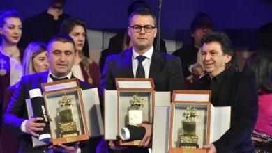 Photo of Uručena najviša priznanja grada Niša. Kostić svoj deo nagrade daje Moniki Karimanović