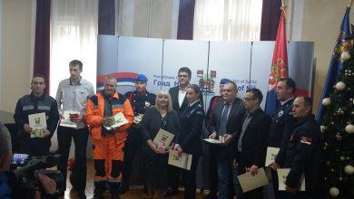 Photo of Gradonačelnik Niša uručio priznanja najboljim predstavnicima hitnih službi u 2019. godini