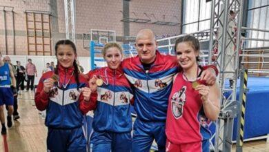 "Photo of Medalje i pehari za takmičarke BK ""Vitez"" na Prvenstvu Srbije u olimpijskom boksu"