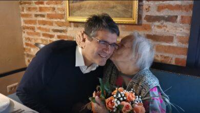"""Photo of Najstarija Nišlijka dan provela sa gradonačelnikom: """"Ovaj dan pamtiću do kraja života"""" (VIDEO)"""