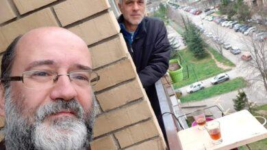 """Photo of FOTO UBOD: Komšijski na sedmom spratu uz domaći """"sok od šljiva"""""""