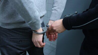 Photo of Uhapšen dok je prodavao marihuanu maloletniku, pretio policajcima da će ih ubiti