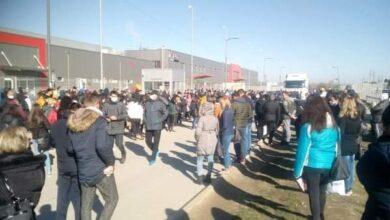 Photo of Zaposleni u fabrikama brinu za svoje zdravlje. U Leskovačkoj Juri štrajk
