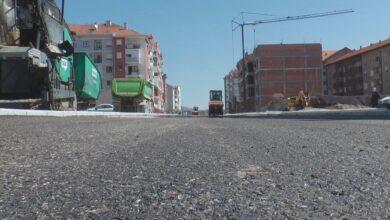 Photo of Počelo asfaltiranje u stambenom naselju izmedju Studeničke i Gornjomatejevačke ulice (VIDEO)