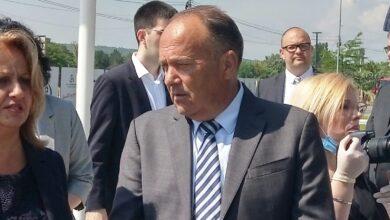Photo of VEĆ SMENJENA TRI DIREKTORA, JEDAN U NIŠU. Šarčević: Svaki dan dobijam SNIMKE ĐAKA i nastavnika bez maski, to nećemo tolerisati