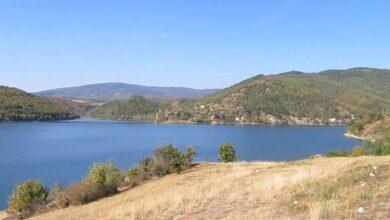 Photo of Spasilačke ekipe tragaju za mladićem koji je juče nestao u Bovanskom jezeru