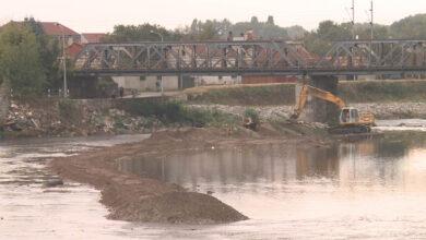 Photo of Počelo čišćenje korita reke Nišave u centru Niša
