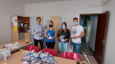 Photo of Za bezbrižno školovanje: Oko hiljadu učenika iz sedam niških škola dobilo zaštitne maske