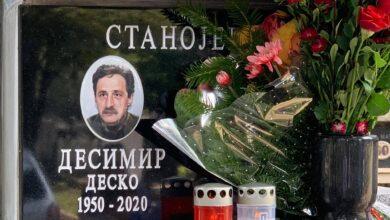 Photo of Direktor Pozorišta na Terazijama emotivnim tekstom oprostio se od Desimira Stanojevića. KO SI TI VEČERAS DESKO?