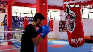 """Photo of Novak Radulović, jedan od najtrofejnijih niških boraca: """"Svako ulaganje i svaki trud se isplati"""" (VIDEO)"""