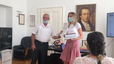 """Photo of Nišlijka dobitnica II nagrade na konkursu """"Dositejevo zlatno pero"""""""