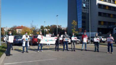 Photo of Medicinari traže veće plate i stalni posao za svoje kolege