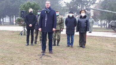 Photo of Vučić na prikazu tenkova u Nišu najavio novo povećanje plate za vojnike
