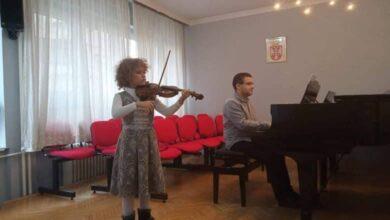Photo of ZAPAŽEN USPEH MLADIH VIOLINISTA IZ NIŠA NA TAKMIČENJU U SKOPLJU: Niškim violinistima šest nagrada