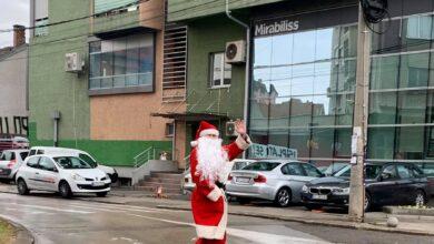 Photo of FOTO UBOD: Deda Mraz poranio kod niških mališana