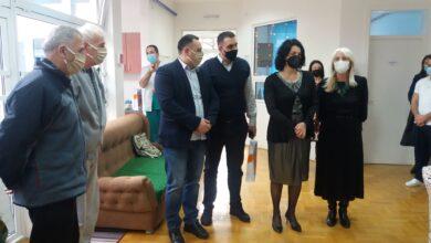 Photo of Gradonačelnica Niša posetila korisnike Prihvatilišta za stara lica i ručala sa njima