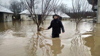 Photo of Spasioci evakuisali 34 osobe iz poplavljenih područja, najviše iz Doljevca