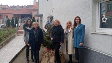 Photo of Rotari klub Niš – Medijana donirao paketiće deci u Sigurnoj kući
