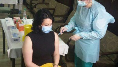 Photo of Gradonačelnica Sotirovski i Tiodorović primili kinesku vakcinu